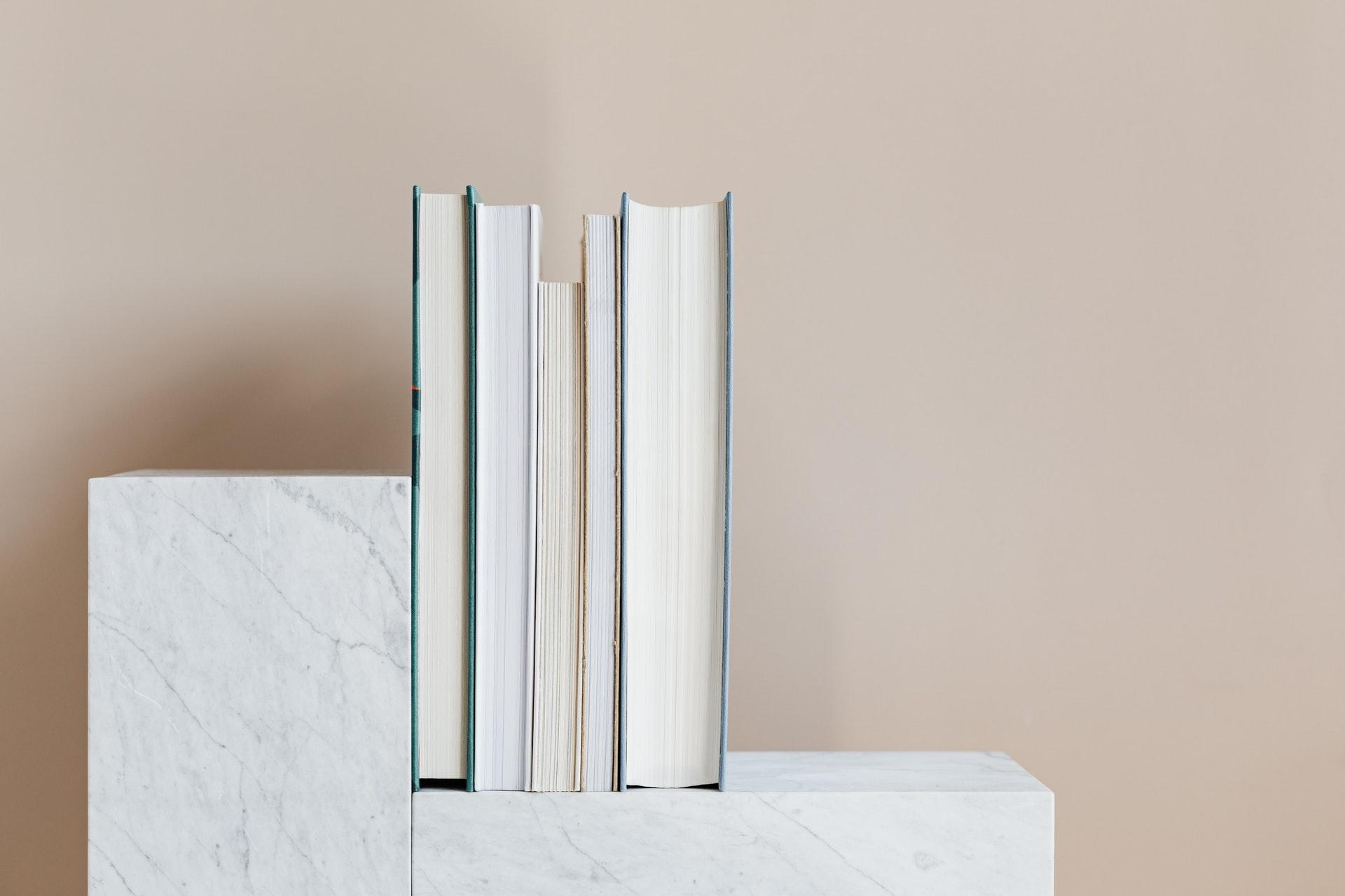 5 grāmatas, ko ir vērts izlasīt pēc saskaršanās ar insultu